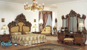 Set Kamar Tidur Mewah Furniture Classic Italian Style Model Terbaru