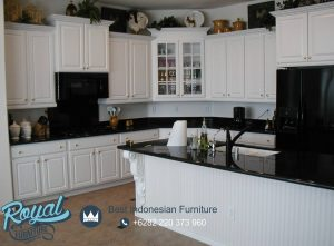 Kitchen Set White Cabinets and Black Countertops Minimalist Terbaru